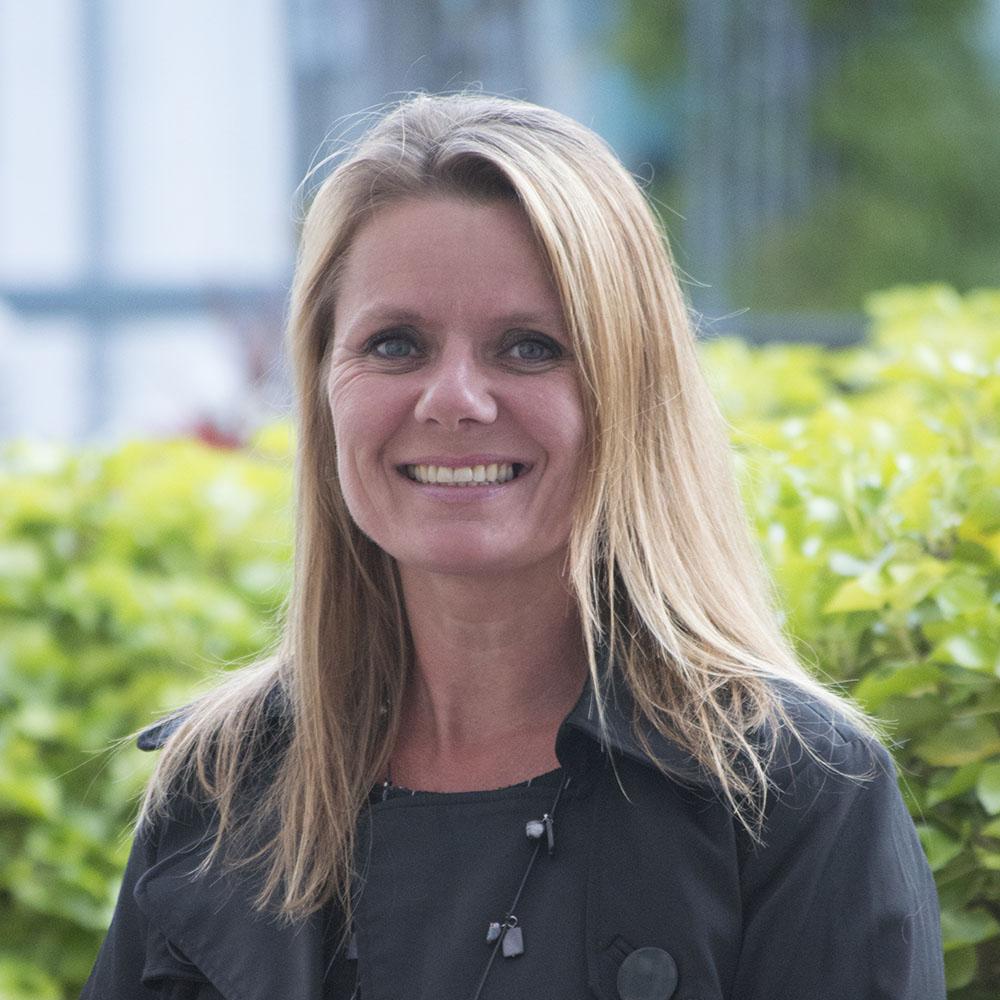 Din Socialrådgiver, Lisa Pedersen